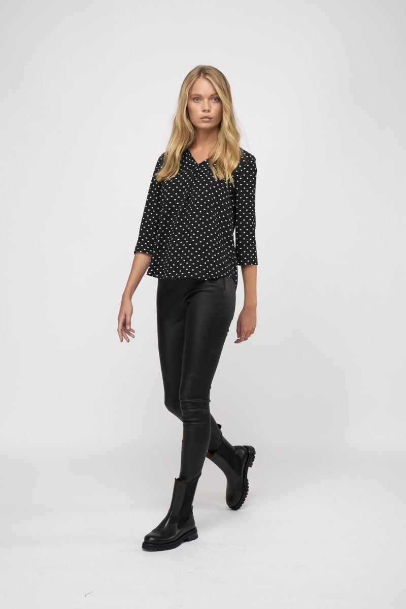 WBLJULES VIENNA HD V-NECK TOP