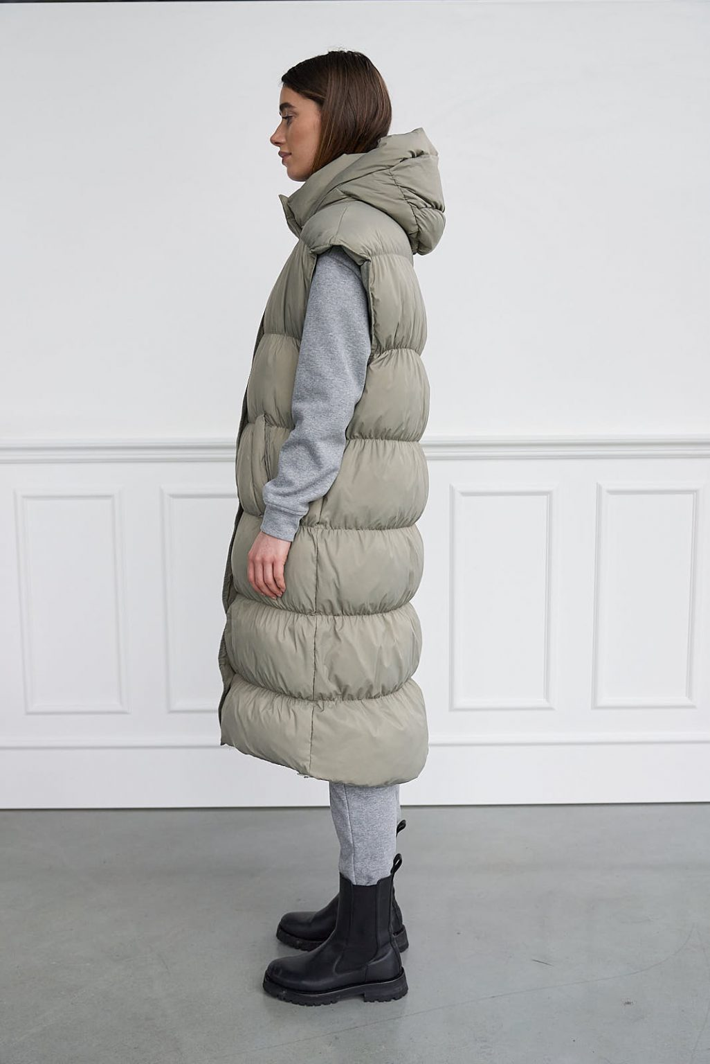 REAL LONG DOWN VEST